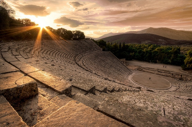 teatro-antico-siracusa.jpg